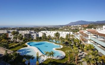 Thumbnail 2 bed apartment for sale in New Golden Mile, Málaga, Spain