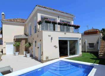 Thumbnail 4 bed villa for sale in San Pedro Playa, Malaga, Spain