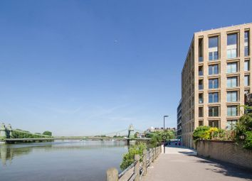 Thumbnail 2 bed flat for sale in Queens Wharf, Hammersmith