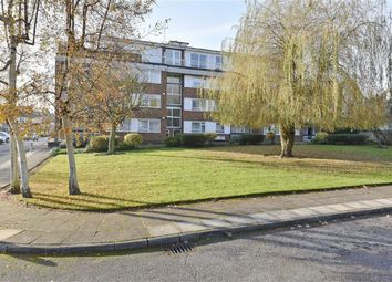 Thumbnail 1 bed flat to rent in Chesterfield Lodge, Winchmore Hill, London
