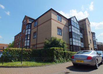 Thumbnail 2 bedroom flat to rent in Waterside Gardens, Reading