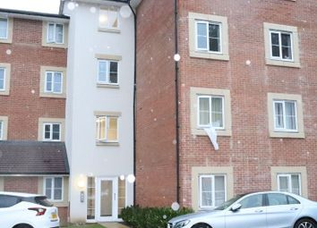 Thumbnail 2 bed flat to rent in Plantation Close, Bushey