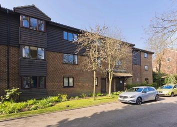 Thumbnail 2 bedroom flat to rent in Collingwood Place, Walton On Thames