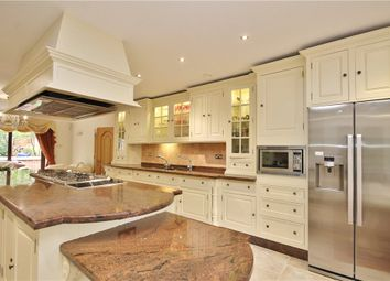 Thumbnail 7 bed detached house to rent in Beechwood Avenue, Weybridge, Surrey