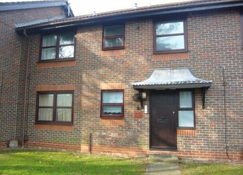 Thumbnail 2 bedroom flat to rent in Bulkington Avenue, Broadwater, Worthing