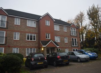 Thumbnail 2 bed flat to rent in Sevenoaks Close, Sutton