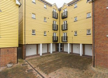 Thumbnail 2 bed flat for sale in Bridge Close, Sandwich