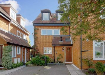 3 bed end terrace house for sale in Putman Place, Henley-On-Thames RG9
