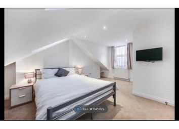 Thumbnail Room to rent in Woodgreen, London