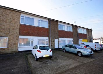 2 bed flat to rent in Cradlebridge Drive, Ashford, Kent TN24