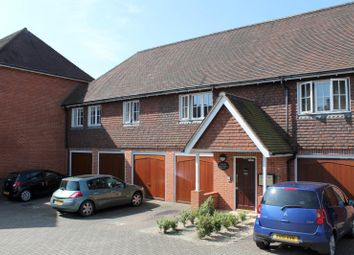 Thumbnail 2 bed flat to rent in Hawthorn Place, Haywards Heath