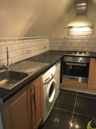 Thumbnail 1 bedroom flat to rent in Downs Road, Luton