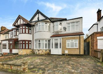 5 bed semi-detached house to rent in Falmouth Gardens, Ilford IG4