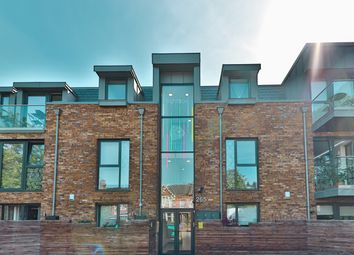 Lordship Lane, London SE22. 2 bed flat for sale