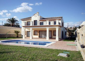 Thumbnail 3 bed villa for sale in Spain, Andalucia, Estepona, Ww971A