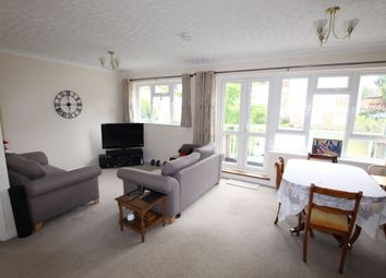 Thumbnail 2 bed flat to rent in Springbank, London