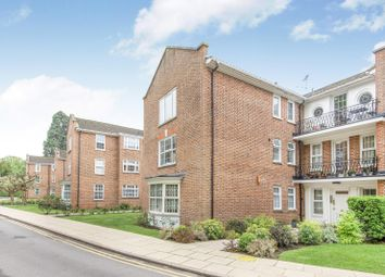 Thumbnail 2 bed flat to rent in Whitelock House, Phyllis Court Drive, Henley-On-Thames