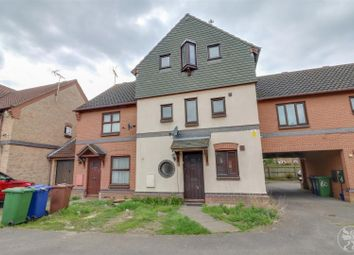 3 bed semi-detached house to rent in Bruces Wharf Road, Grays RM17