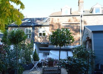 Thumbnail 2 bed flat to rent in Sevens Close, High Street, Berkhamsted