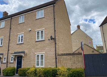 Thumbnail 4 bed town house for sale in Linnet Road, Calne