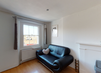 Thumbnail 5 bed flat to rent in Clapham Common South Side, London
