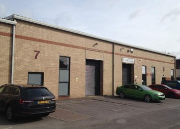 Thumbnail Warehouse to let in Unit 7 Boundary Business Centre, Woking, Surrey
