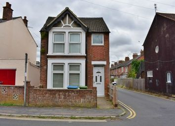 Thumbnail 1 bed flat to rent in Chiltern Street, Aylesbury