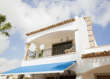 Thumbnail 2 bed apartment for sale in Top Floor Apartment With Roof Solarium, Villamartin, Alicante, 03189