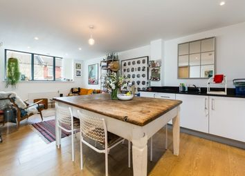 Thumbnail 2 bed flat to rent in Leswin Road, London