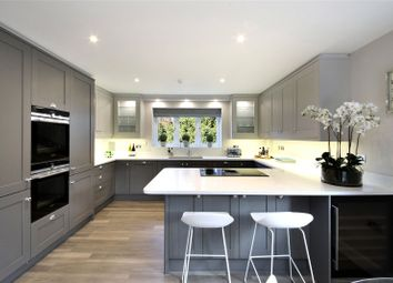 Thumbnail 2 bedroom flat for sale in Baring Road, Beaconsfield