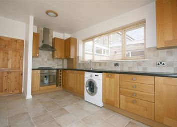 Thumbnail 2 bed flat to rent in Hailstone Road, Basingstoke