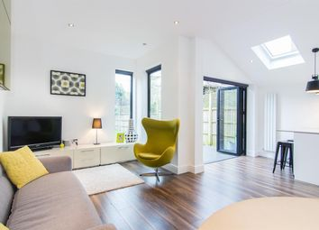 Thumbnail 3 bed flat for sale in Elm Road, London