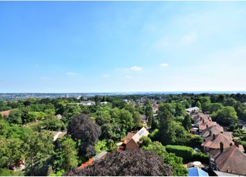 2 bed flat to rent in Bassett Avenue, Southampton SO16