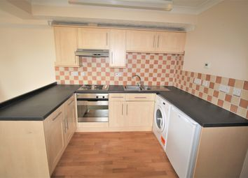 Thumbnail 2 bedroom flat to rent in Greenfields Avenue, Alton