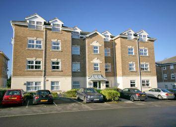 2 bed flat to rent in Heath Road, Haywards Heath RH16