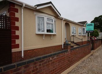 Thumbnail 3 bed bungalow for sale in Loddon Court Farm Park Homes, Beech Hill Road, Spencers Wood