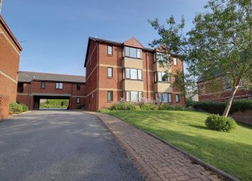 Thumbnail 2 bedroom flat to rent in Park Road, Barry