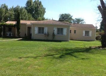 Thumbnail Bungalow for sale in Chevanceaux, Montlieu-La-Garde, Jonzac, Charente-Maritime, Poitou-Charentes, France