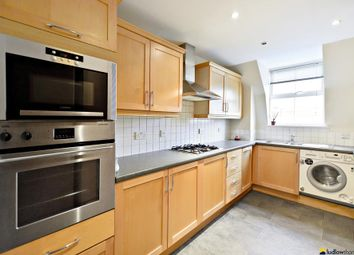 Thumbnail 3 bed flat to rent in Ensign Street, London