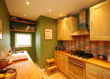 Thumbnail 2 bed cottage to rent in Linkfield Road, Isleworth
