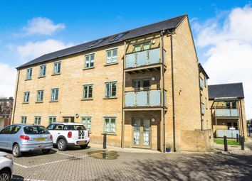 Thumbnail Flat for sale in Nightingale Road, Hitchin