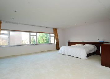Thumbnail 6 bed property to rent in West Road, Ealing