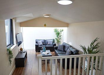 2 bed flat to rent in Blenheim Terrace, Leeds, West Yorkshire LS2