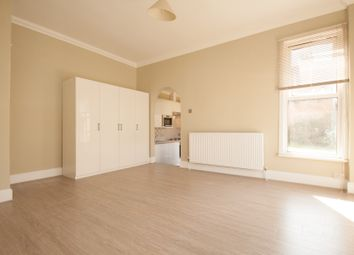 Thumbnail 1 bed flat to rent in Holly Park Road, Friern Barnet
