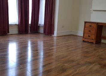 Thumbnail 2 bed flat to rent in Melbourne Rd, Ilford
