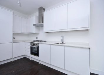 3 bed flat to rent in Ballards Lane, North Finchley, London N128Ly N12