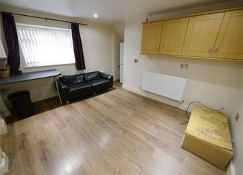 Thumbnail 3 bedroom flat to rent in Devon Road, Leeds