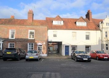 2 bed flat for sale in High Street, Amersham HP7