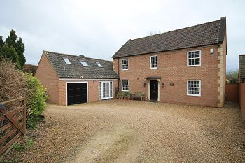 Thumbnail 4 bed detached house to rent in Westbury Road, Warminster, Wiltshire
