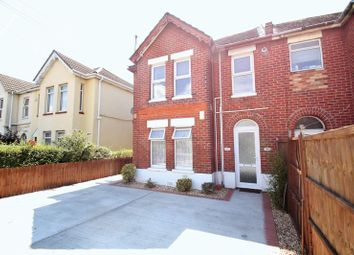 2 bed flat to rent in Holdenhurst Road, Bournemouth BH8